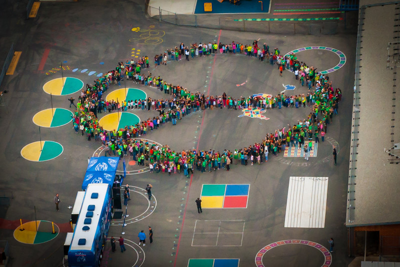 2014_04_22, Pomona, CA, Kingsley Elementary, Human Peace Sign, Helicopter, Earth Day, Student Peace Sign