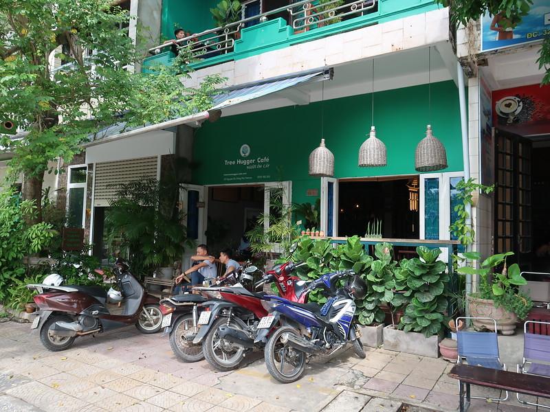IMG_1959-treehugger-cafe.JPG