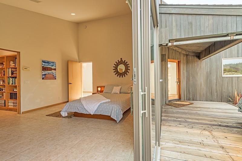 Guest Room & Deck