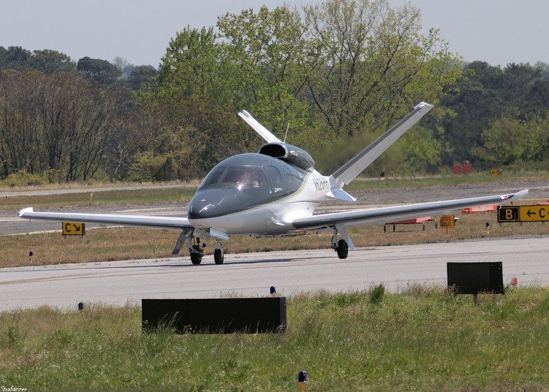 Cirrus Vision SF50-G2 c/n 214     N626HH Arriving from Little Rock AR. Peachtree Dekalb Airport (KPDK), GA, 04/06/2021, This work is licensed under a Creative Commons Attribution- NonCommercial 4.0 International License.