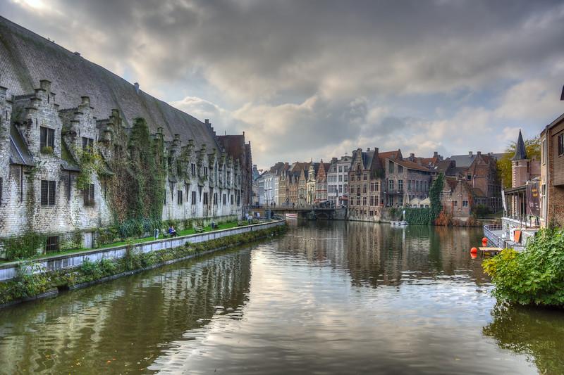 Canal - Gand (Gent), Belgium - November 1, 2010