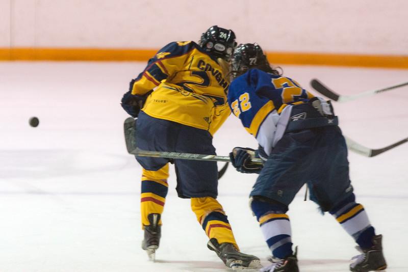 20130310 QWHockeyvsUBC 299.jpg