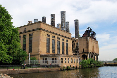This is a huge Philadelphia Electric power station