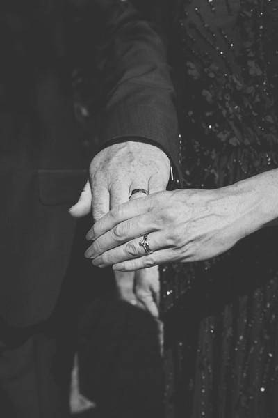 Mr and Mrs -141.jpg