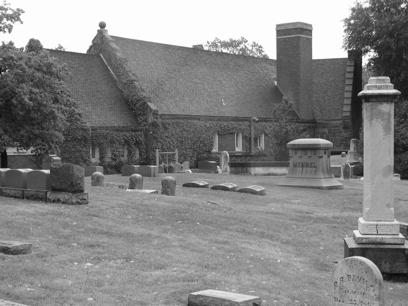 Graceland Cemetery Chapel