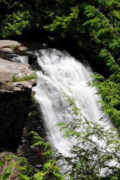 ryle-lenzi-irwin-cascades-vienna-virginia.jpg