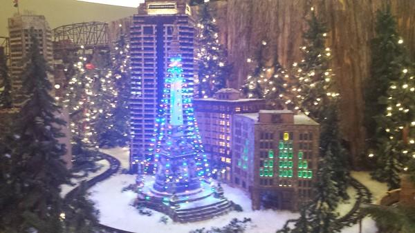 Jingle Rails/Eiteljorg Museum - Indianapolis - 31 Dec. '16