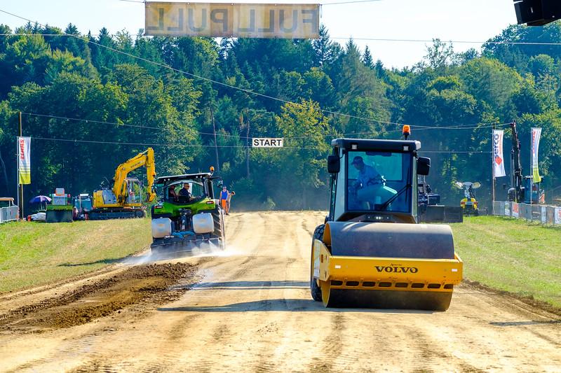 Tractor Pulling 2015-1915.jpg