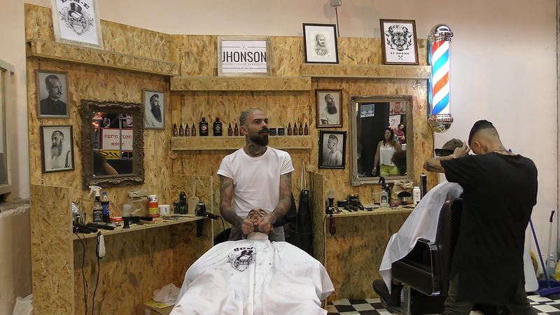 barbers-stylize-the-hair-of-hipsters-during-international-tattoo-convention-tel-aviv-israel_blon3ek7g_thumbnail-full01.png