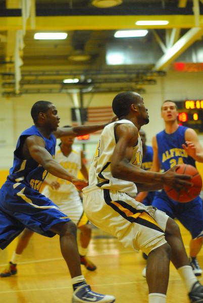 20100211_MCC Basketball_0448.JPG