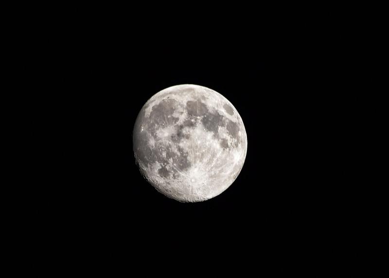 NEA_0930-7x5-Moon.jpg
