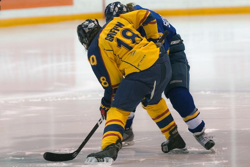 20130310 QWHockeyvsUBC 519.jpg