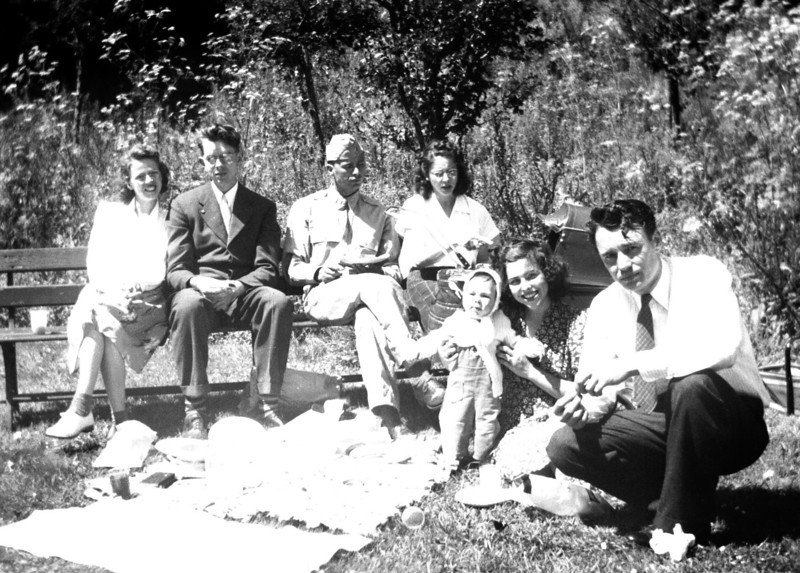 Tom, Donna and Tommy Little with Lieutenant Bob Hamlin and wife Marjory, in 1943, probably in Martinez, California.