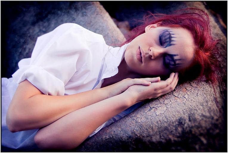 Jessica Trustcott Model Portfolio relaxed