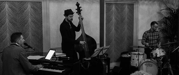 Robin Philips Trio ft Sara Dowling