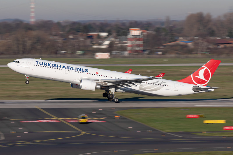 Turkish Airlines / Airbus A330-300 / TC-JNZ