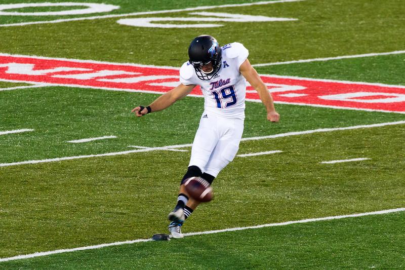 Jones kicks off to Houston.