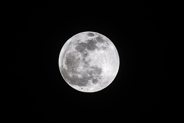 Moon/ Eclipse (Blood Moon)