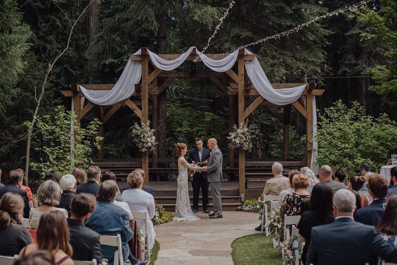 2018-05-12_ROEDER_JulieSeth_Wedding_DUSTIN2_0042.jpg