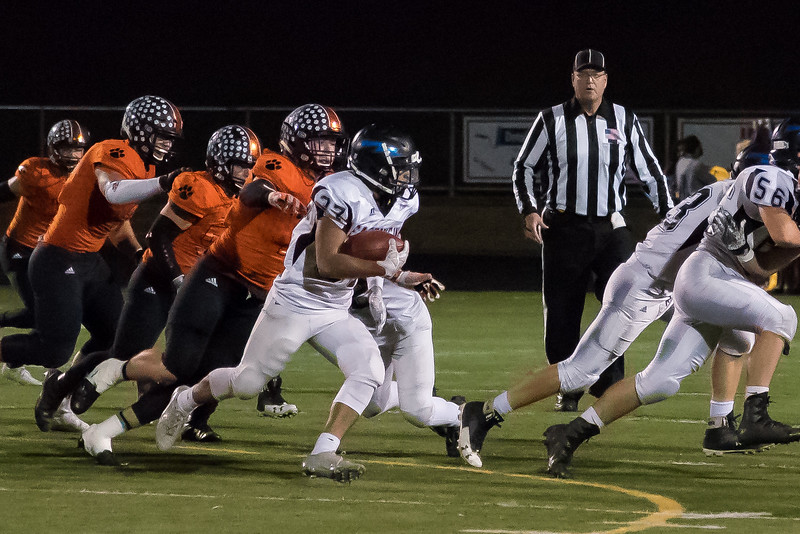 20171013_EVHS Varsity Football at Farmington-0387.jpg