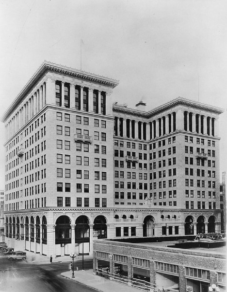 Pacific Mutual Building, 1900