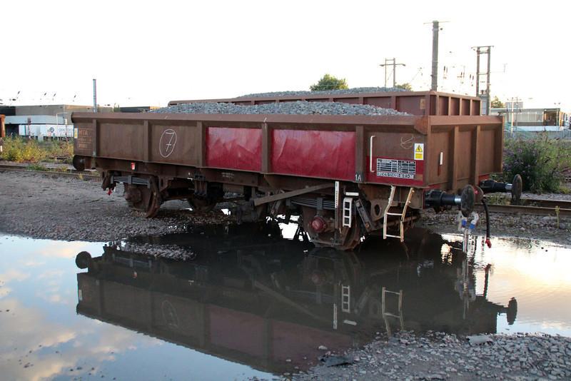 MTA 395013 off rails at Peterborough New England Yard 29/09/12.