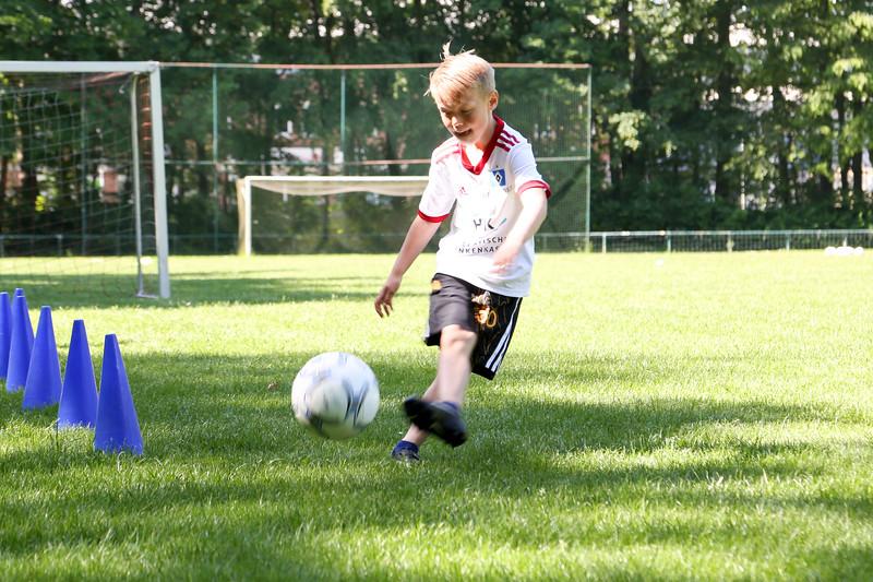 hsv_fussballschule-081_48048027327_o.jpg