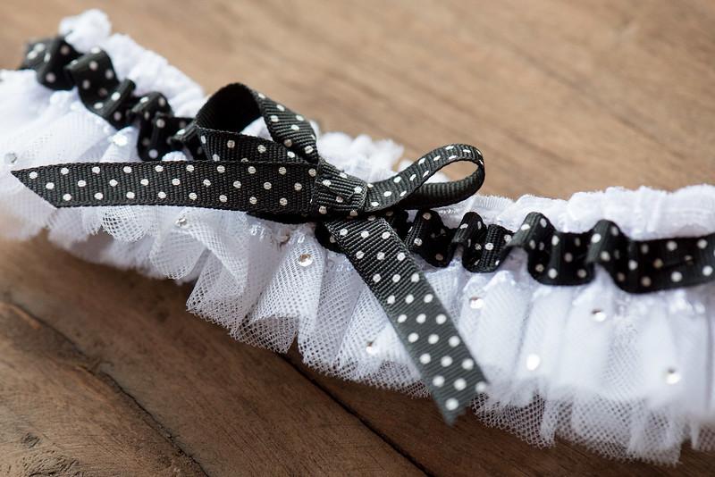 wedding-garter (21 of 23).jpg