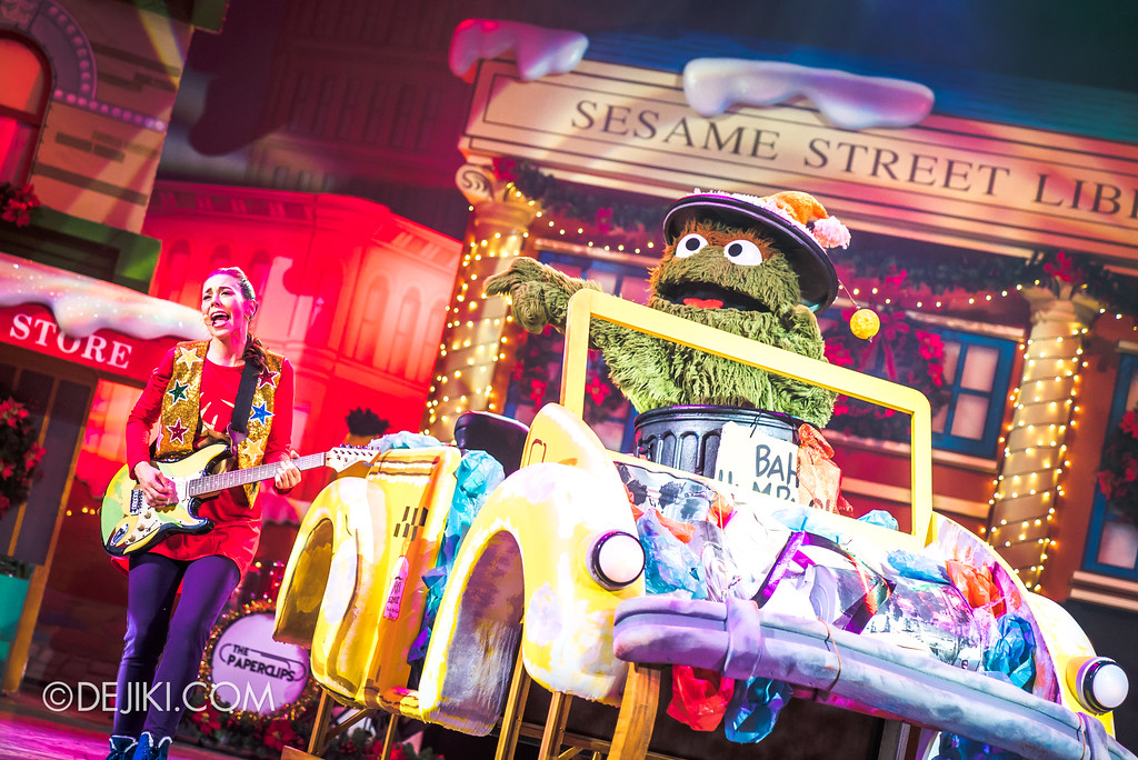 Universal Studios Singapore Christmas 2017 - Oscar's Grouchmas / Oscar and his sleigh