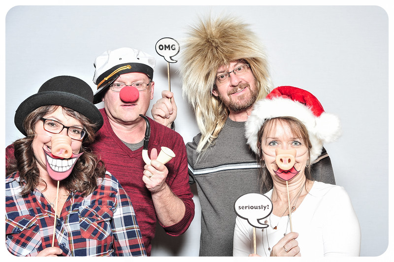 WDTN-TV-Holiday-Photobooth-26.jpg