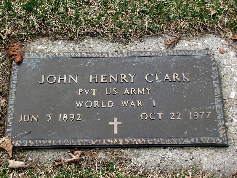 JohnHenryClark-grave.jpg
