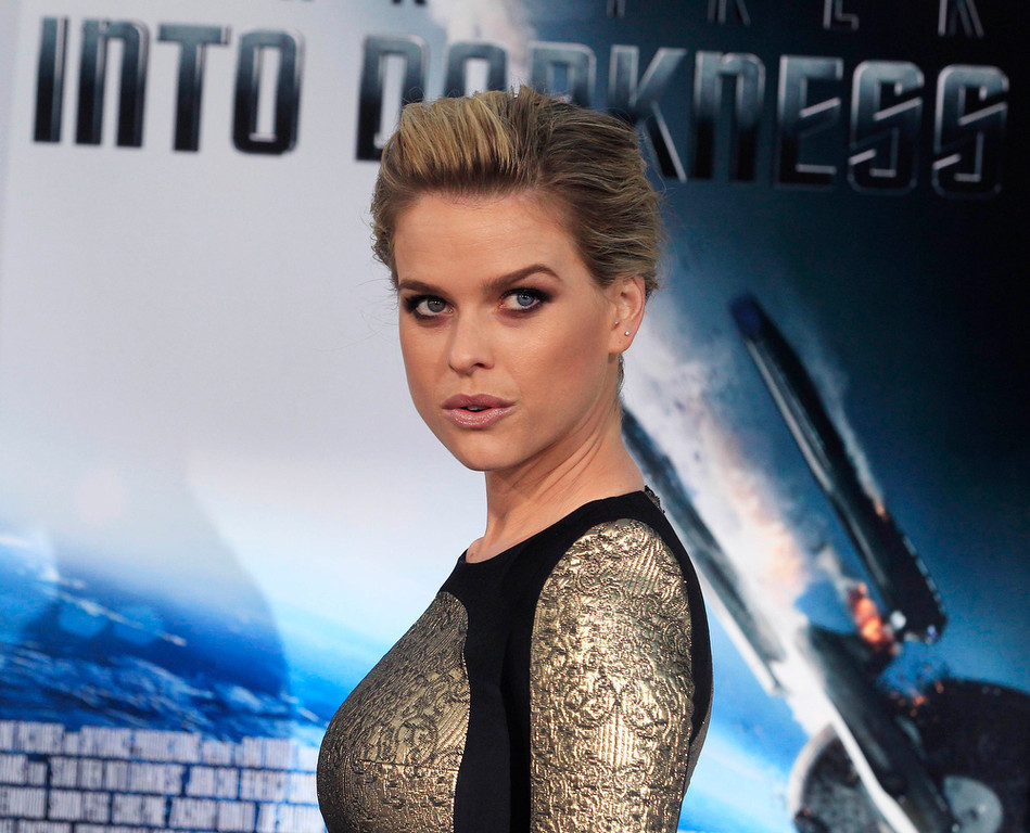 """. Actress Alice Eve, cast member of the new film \""""Star Trek Into Darkness\"""", poses as she arrives at the film\'s premiere in Hollywood May 14, 2013.  REUTERS/Fred Prouser"""