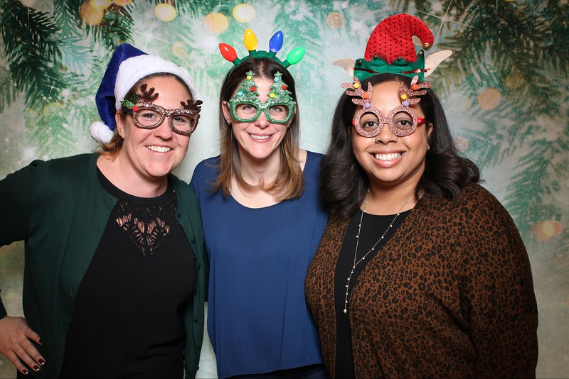 2019UniversityOfChicagoLawSchoolHolidayParty20.jpg