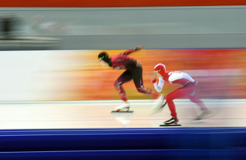 . Poland\'s Katarzyna Wozniak (R) and Germany\'s Bente Kraus compete in the Women\'s Speed Skating 5000 m at the Adler Arena during the Sochi Winter Olympics on February 19, 2014.  (DAMIEN MEYER/AFP/Getty Images)