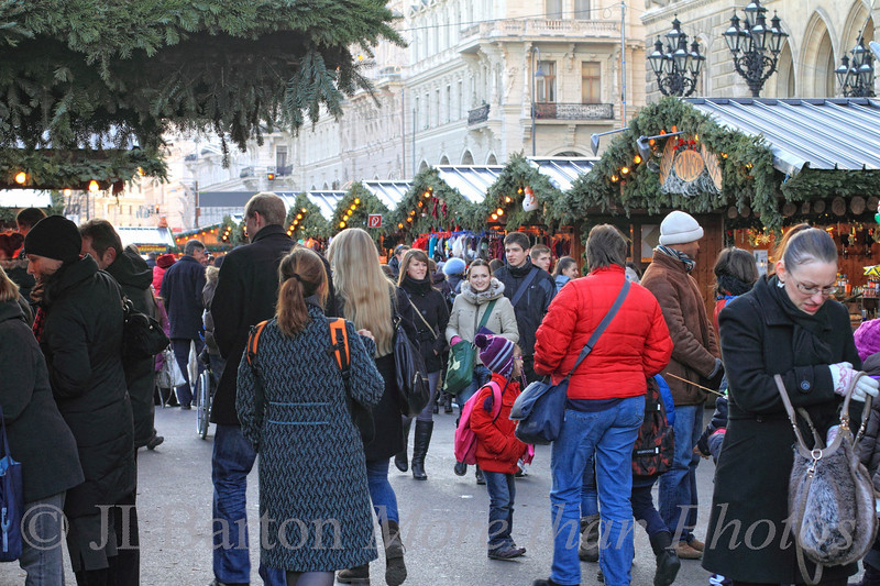 Advent Market