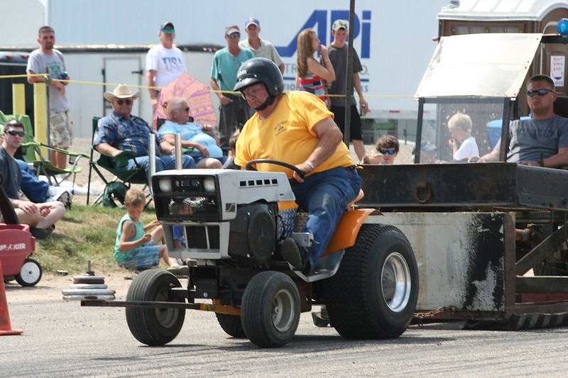 St. Paul Park tractor pull 2013 033.JPG