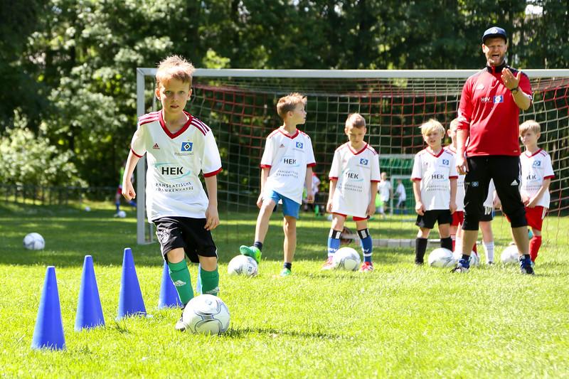 hsv_fussballschule-415_48047945081_o.jpg