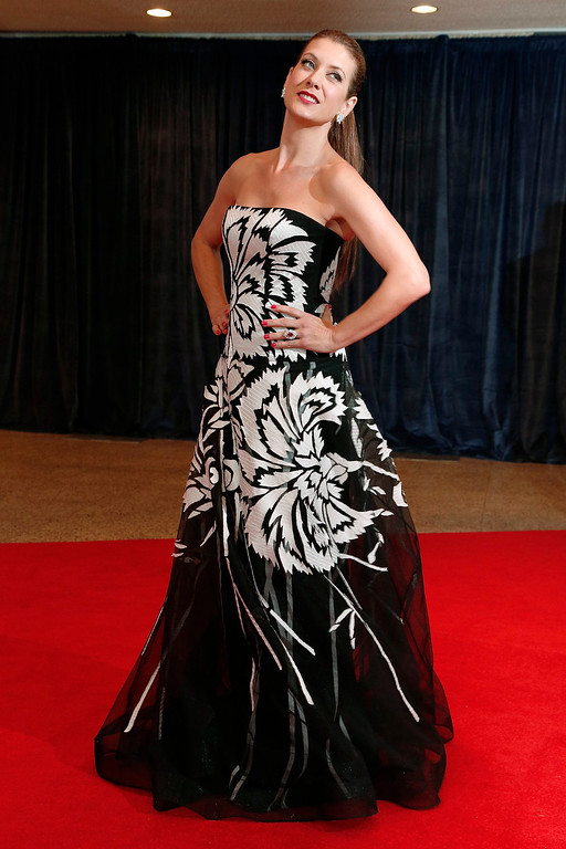 . Actress Kate Walsh arrives on the red carpet at the annual White House Correspondents\' Association dinner in Washington April 27, 2013. REUTERS/Jonathan Ernst