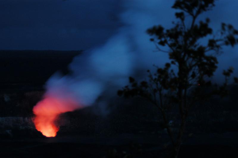 293- 20080412- Hawaii 15- Volcano Nat'l Park Plume Night shots DSC_3211.jpg