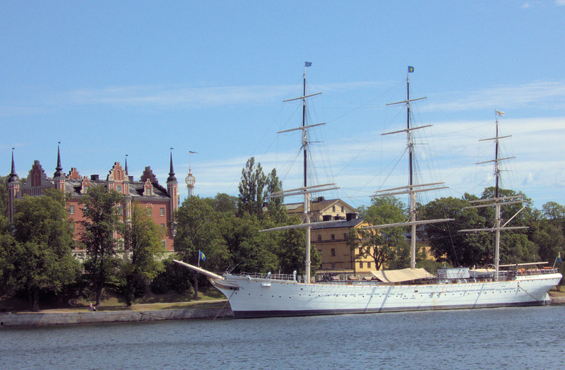 Stockholm three masted ship.jpg