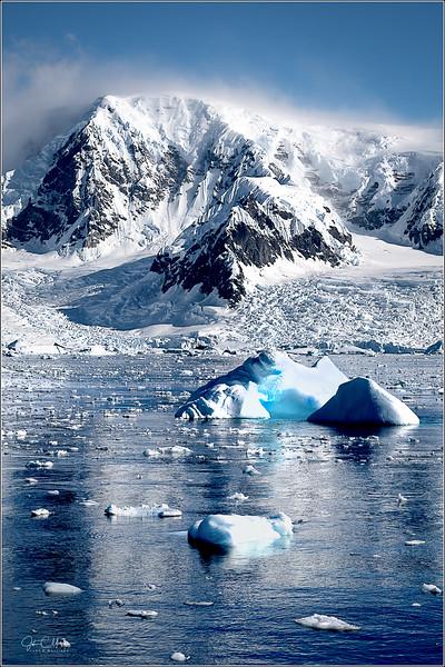 JZ7_8672 Coast Iceberg LPr1W.jpg