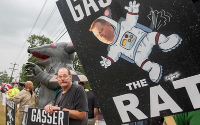 20170614 - Gasser Protest (SN)