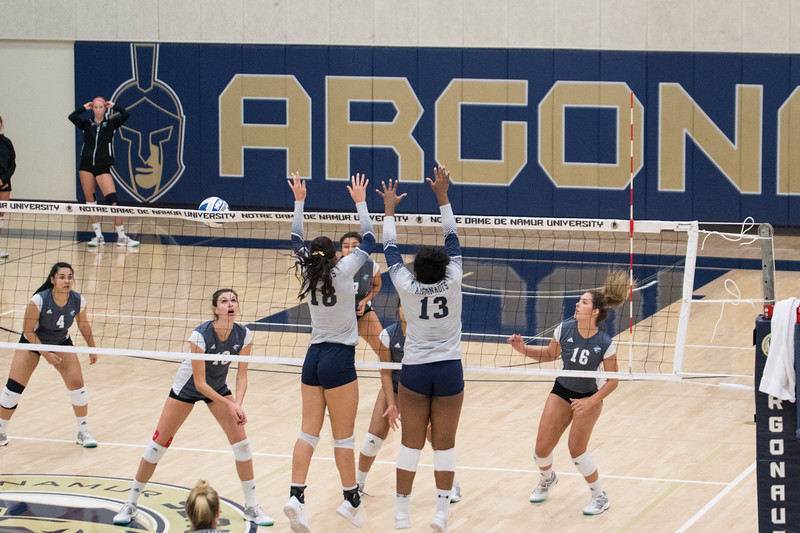 HPU Volleyball-91609.jpg