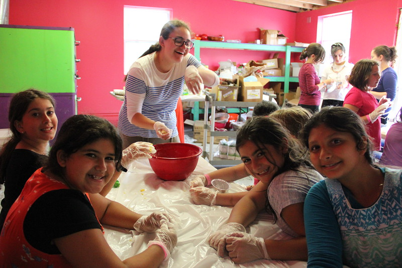 kars4kids_thezone_camp_girlsDivsion_activities_baking (83).JPG
