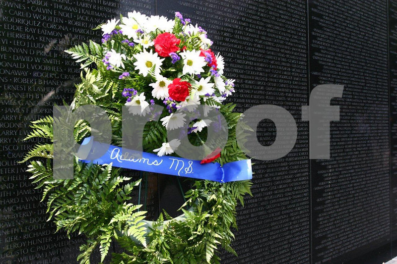 Vietnam war memorial 0949.jpg