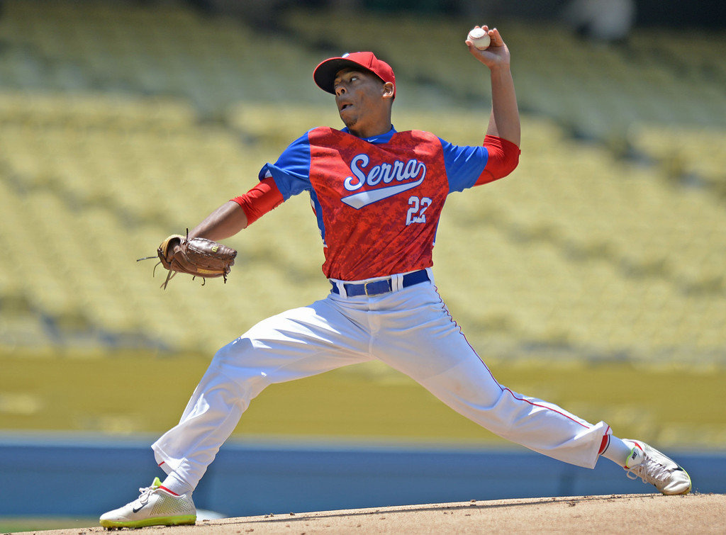 . Serra\'s Dominic Smith (22) delivers a pitch to Mira Costa in the CIF-SS Division III championship baseball game Friday at Dodger Stadium. Serra won the title, 8-1. 20130531 Photo by Steve McCrank / Staff Photographer