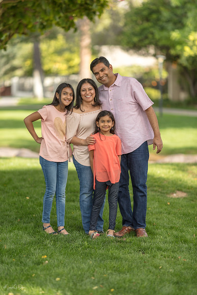Urvi Family-51.jpg