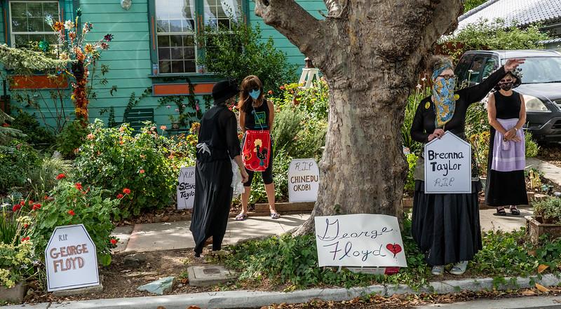 16_Raging Grannies Protest Police Brutality_DSC2233.jpg