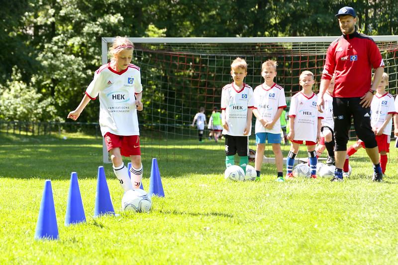 hsv_fussballschule-410_48047955851_o.jpg