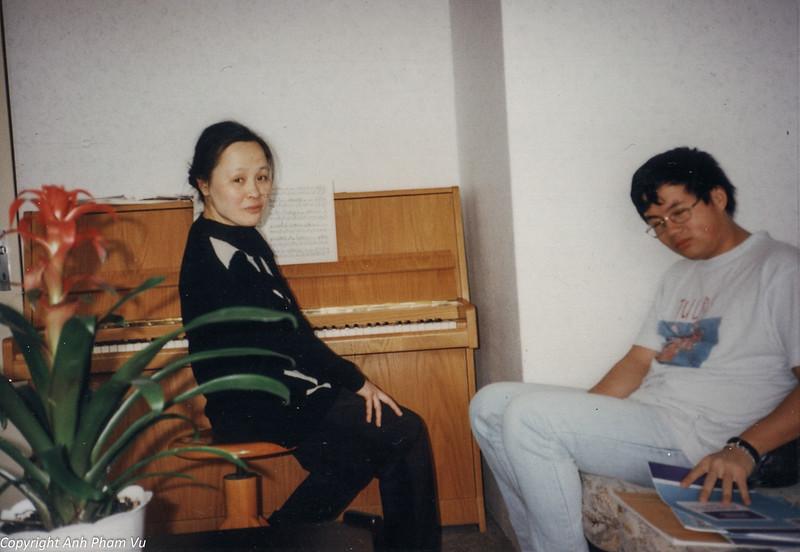 Co Lan Huong Visit 90s 05.jpg